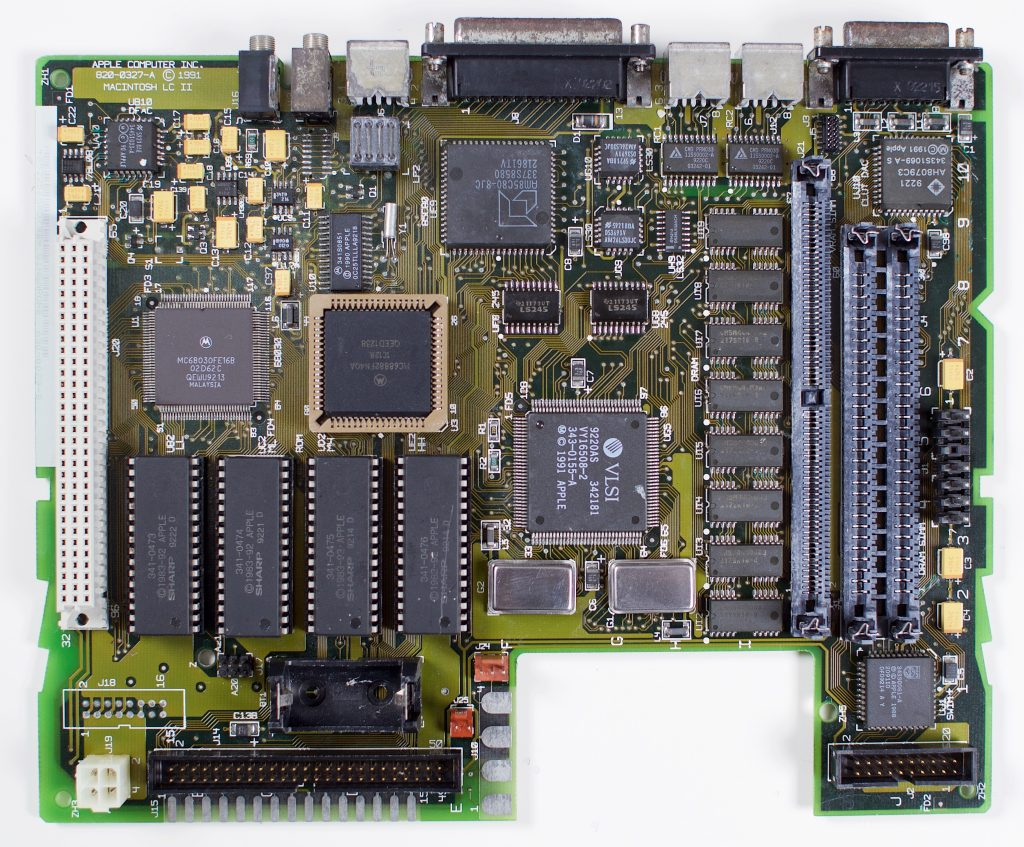 Macintosh LCII logic board