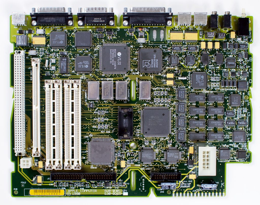 Macintosh IIsi logic board