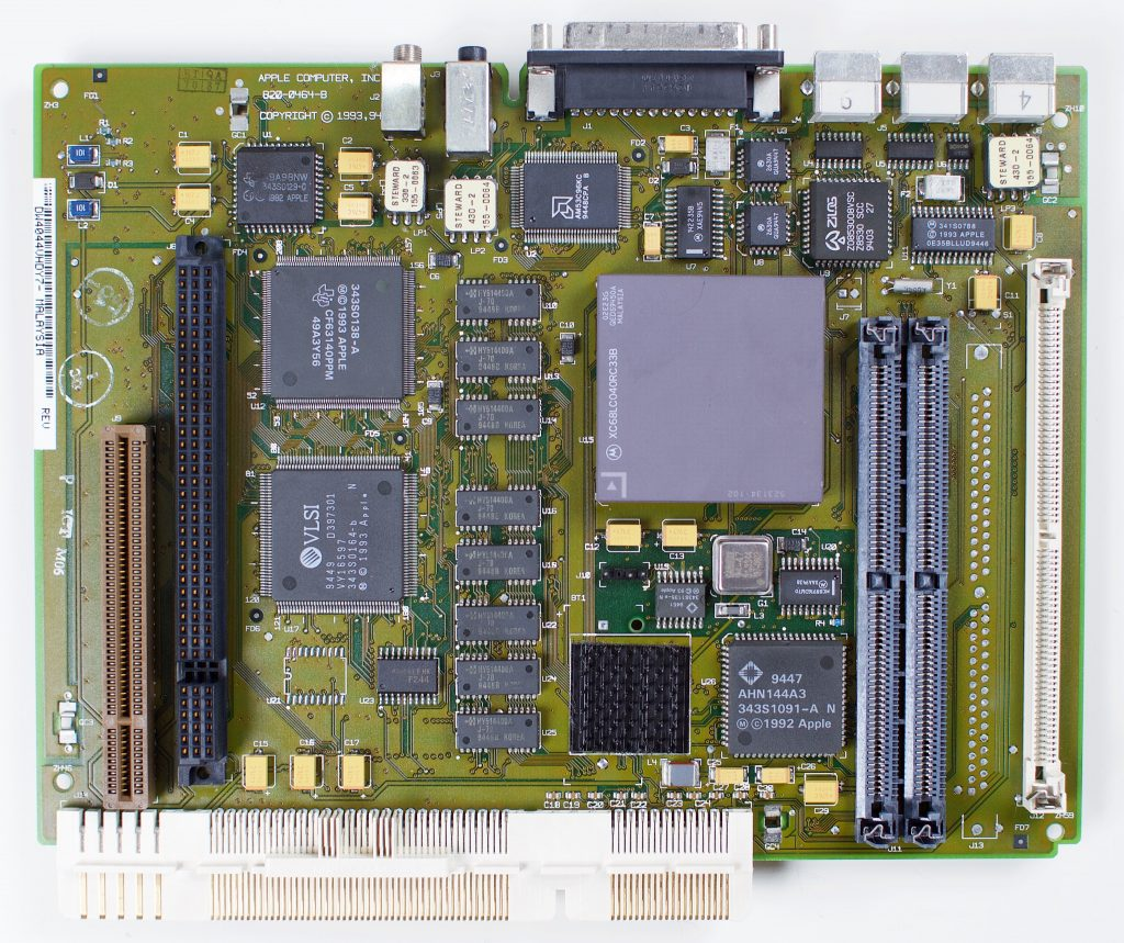 Macintosh LC575 logic board