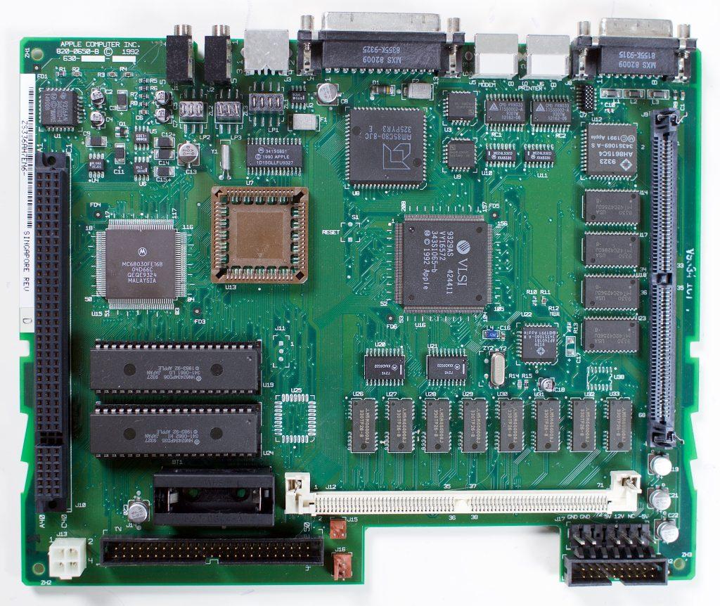 Macintosh LCIII logic board